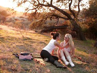 Девушки в колготках видео эротика