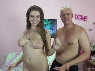 Порно с катей брюнеткой